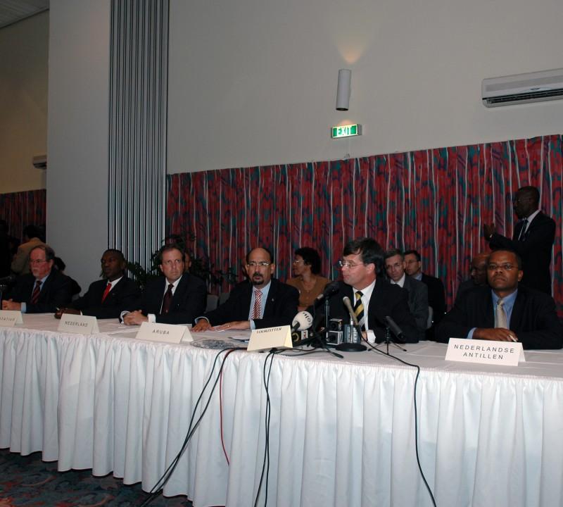 Start Ronde Tafel Conferentie 2005